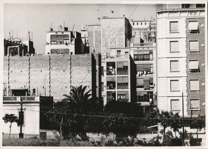 A view of Amigó street, 1952