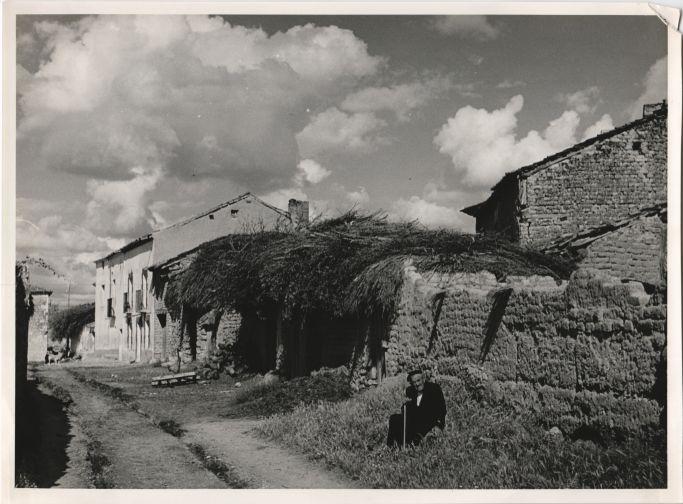 A village between Aranda de Duero and Soria