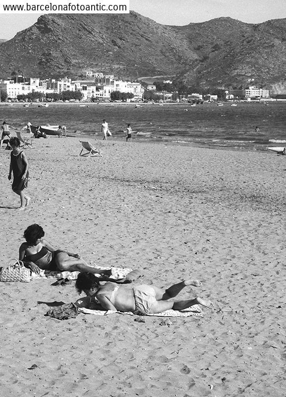 Primers Bikinis a la Costa Brava. Girona, 1964